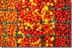 tomatoes_in_crates